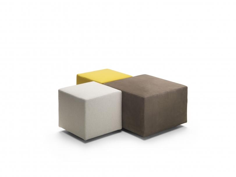 'Adagio' poufs, Flexform